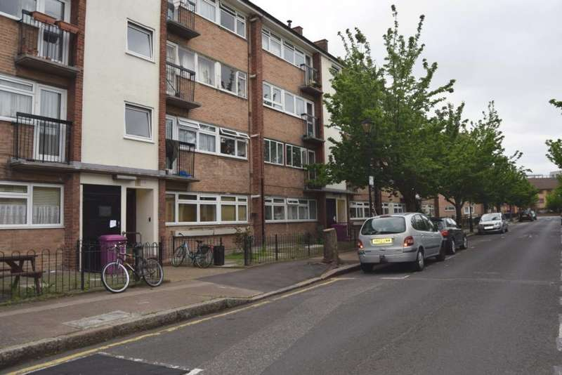 3 Bedrooms Flat for sale in Robinson Road, London, E2