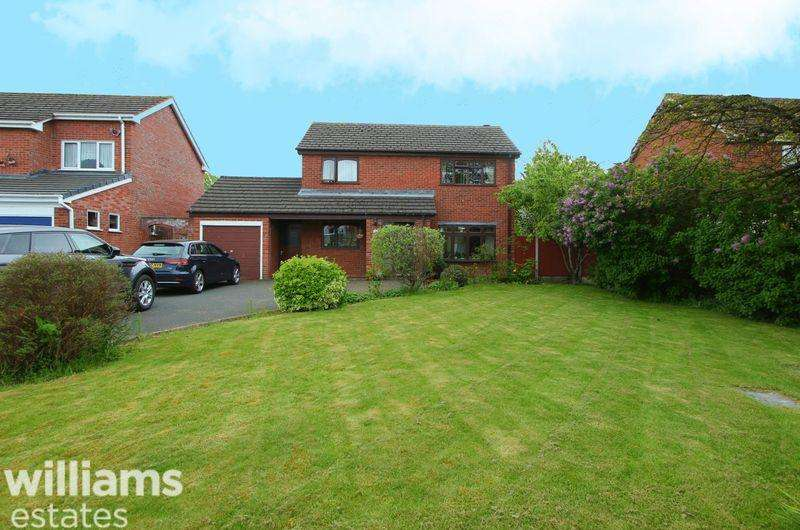 3 Bedrooms Detached House for sale in Crud Y Castell, Denbigh