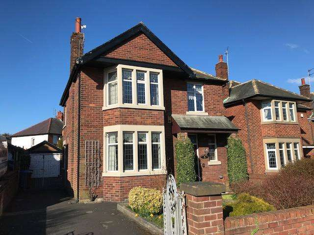 3 Bedrooms Detached House for sale in South Park Drive Stanley Park