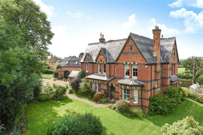 7 Bedrooms Detached House for sale in Chalgrave Road, Tebworth, Leighton Buzzard, Bedfordshire, LU7