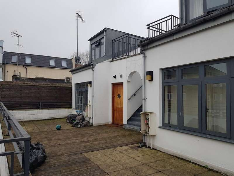 3 Bedrooms Flat for sale in W13 / Ealing Broadway / well maintained large 3 bed duplex flat / close to the heart of Ealing