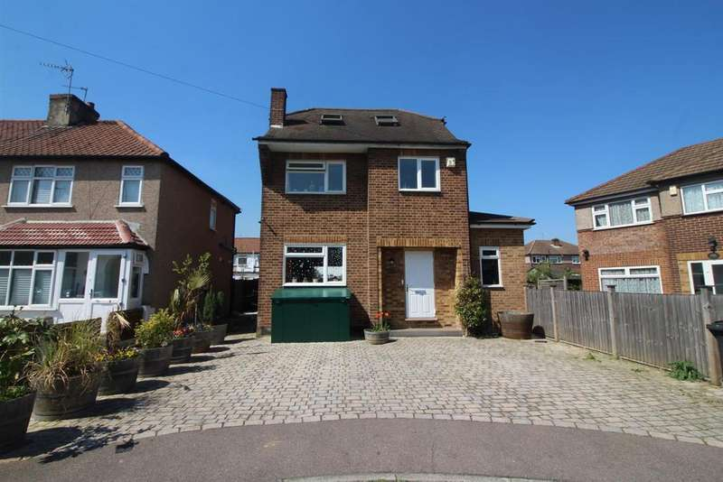 4 Bedrooms Detached House for sale in Sharon Road, Enfield