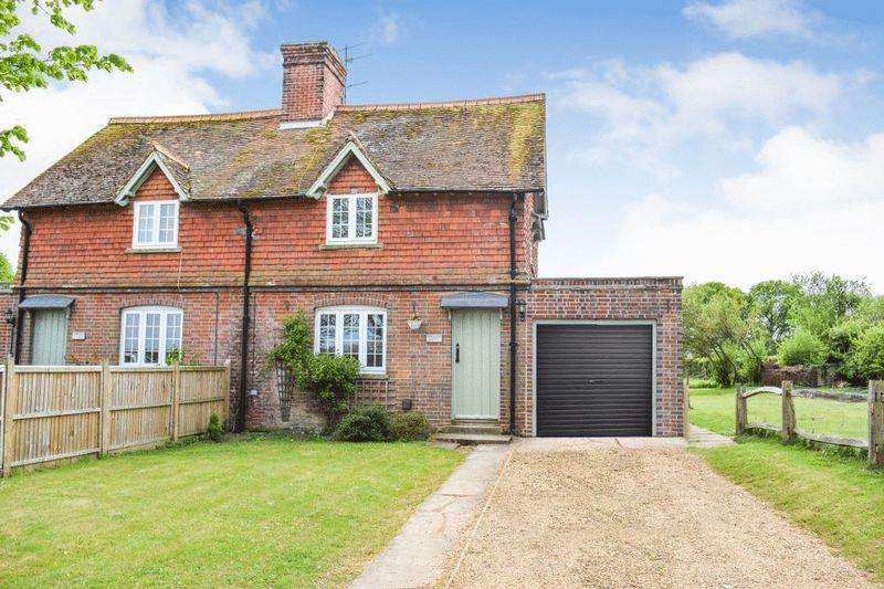 3 Bedrooms Cottage House for rent in Wisborough Green, West Sussex