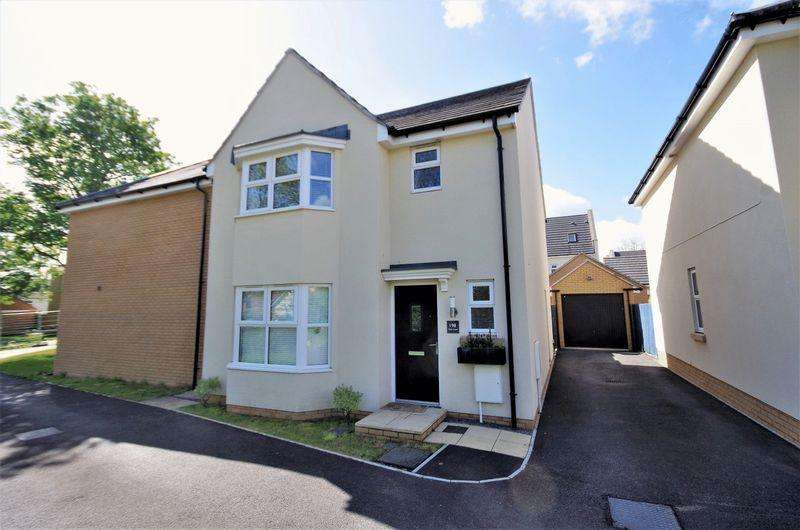 3 Bedrooms Detached House for sale in Oak Leaze, Charlton Hayes, Bristol
