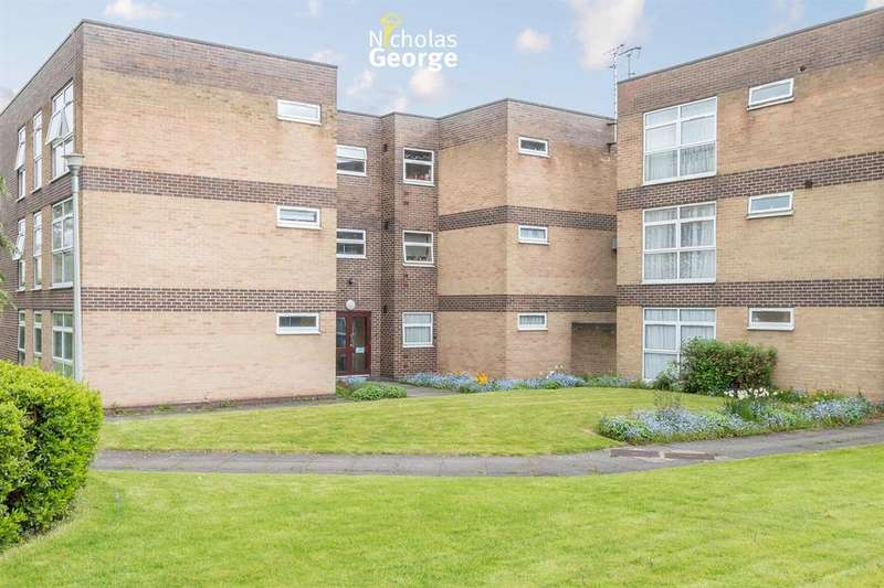 2 Bedrooms Flat for sale in Outfields, Alcester Road South, Kings Heath, Birmingham, B14 6DT