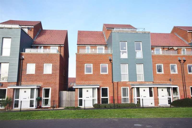 3 Bedrooms End Of Terrace House for rent in Ambassador Walk, Eastleigh