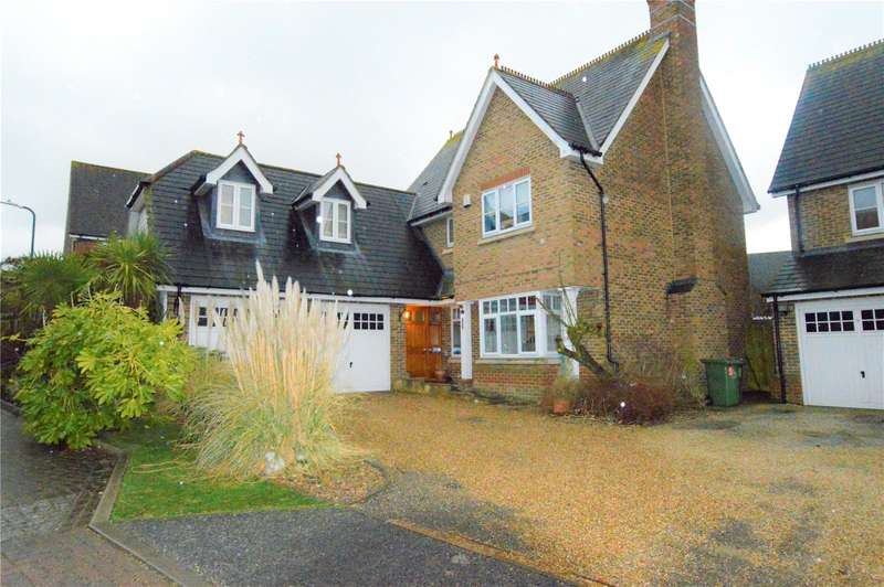 5 Bedrooms Detached House for sale in Pucknells Close Birchwood Heights Swanley