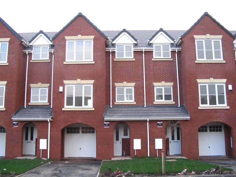 3 Bedrooms Terraced House for rent in Hansby Drive Hunts Cross Village Liverpool