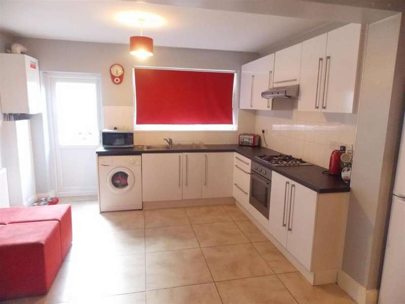 4 Bedrooms House for rent in Percival Road