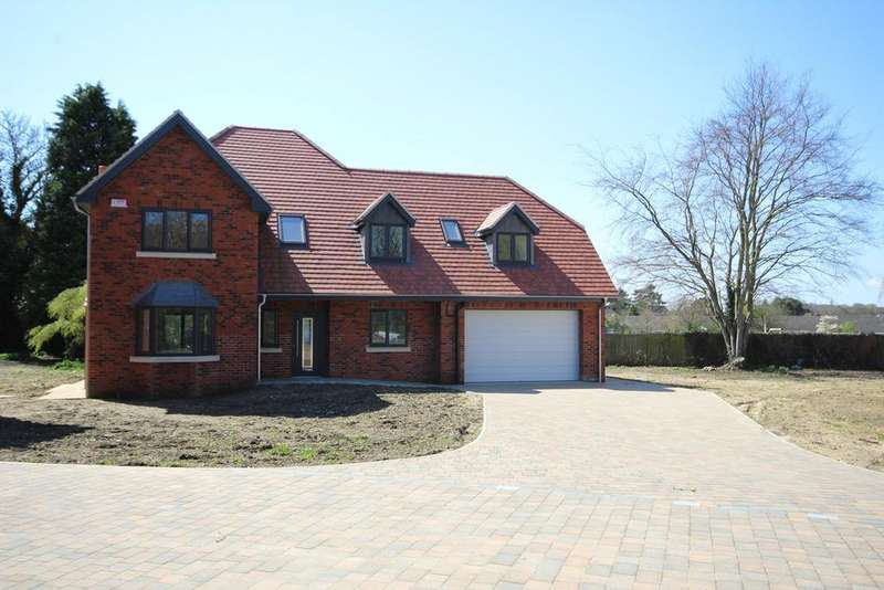 5 Bedrooms Detached House for sale in The Old Vicarage, Church Lane, Elloughton, HU15