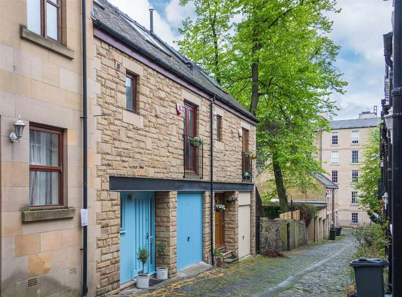 4 Bedrooms Mews House for sale in 15 Gayfield Place Lane, New Town, Edinburgh, EH1