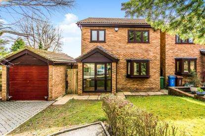 3 Bedrooms Detached House for sale in Byrth Road, Bardsley, Oldham, Greater Manchester
