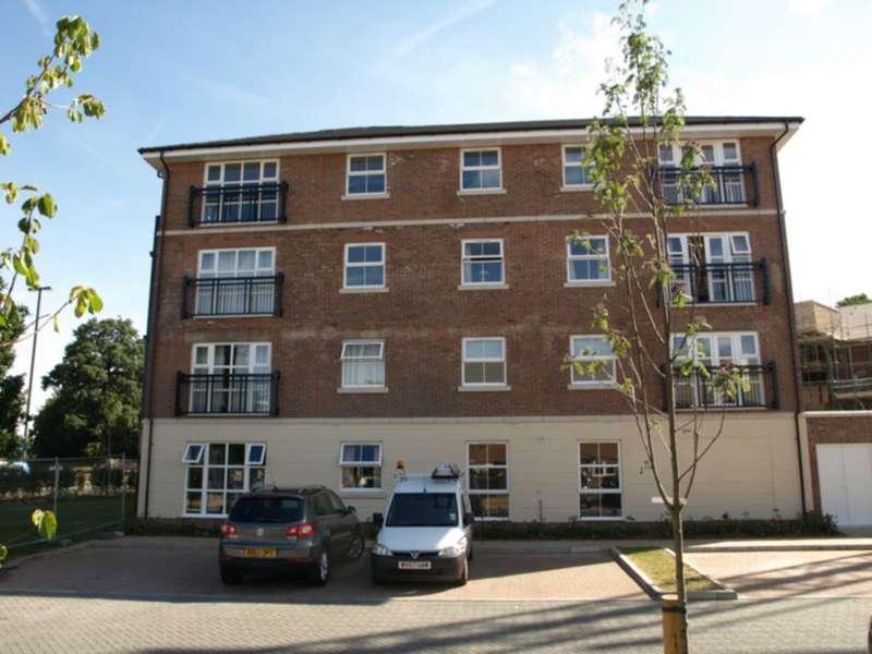 1 Bedroom Flat for rent in Kenley Place, Farnborough, GU14