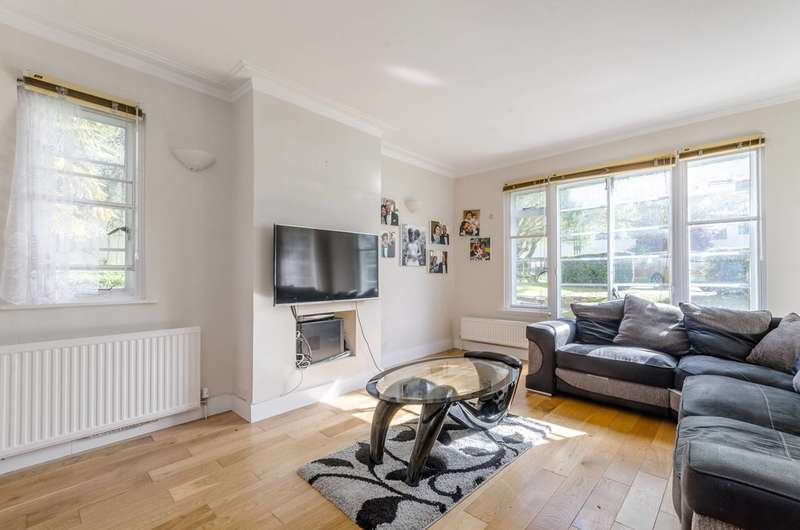 3 Bedrooms Flat for sale in Colebrook Close, Putney, SW15