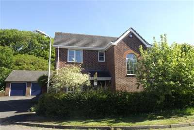 4 Bedrooms House for rent in Sir Galahad Road, Knightwood Park