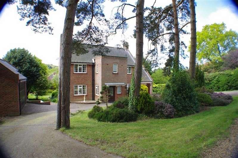 4 Bedrooms Detached House for sale in Shawcross Road, West Runton, Norfolk, NR27