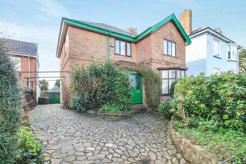 4 Bedrooms Detached House for sale in Callington Road, Saltash, Cornwall