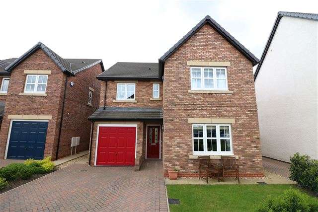 4 Bedrooms Detached House for sale in Maxwell Drive, Carlisle, CA6 4EB