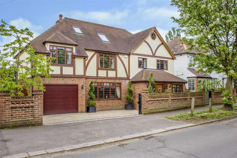7 Bedrooms Detached House for sale in South Drive, Warley, Brentwood