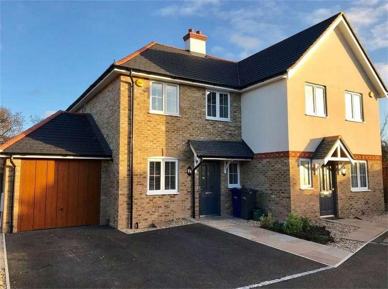 3 Bedrooms Semi Detached House for rent in Farnham, Surrey
