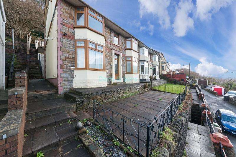 3 Bedrooms Semi Detached House for sale in Rhyswg Road, Abercarn, Newport. NP11