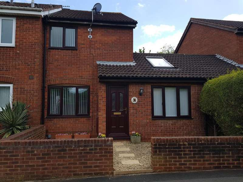 2 Bedrooms Semi Detached House for sale in Woodward Drive, Bristol, BS30 7HR