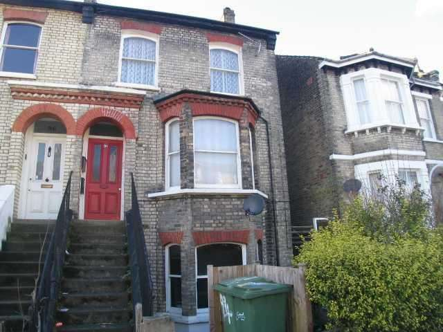 1 Bedroom Flat for sale in Copleston Road, East Dulwich, London, SE15 4AG