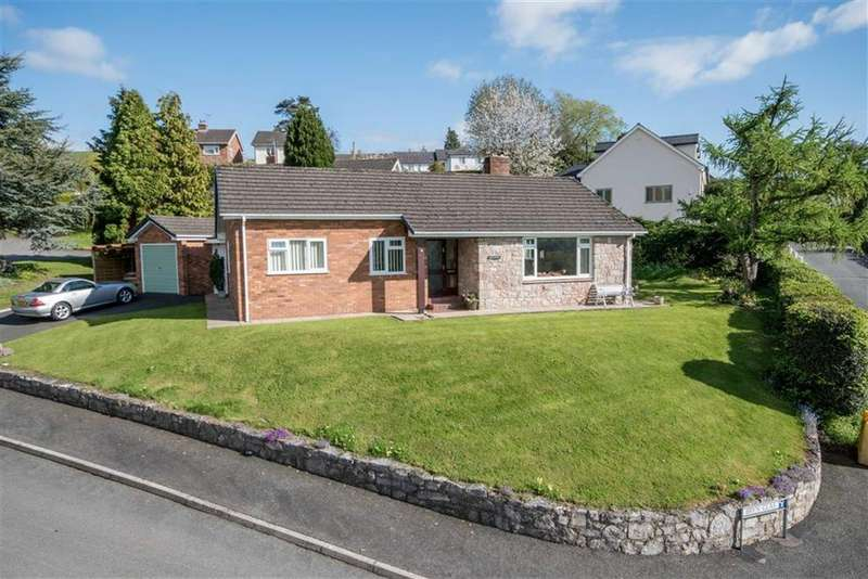 3 Bedrooms Detached Bungalow for sale in Bryn Glas, Graigfechan, Ruthin