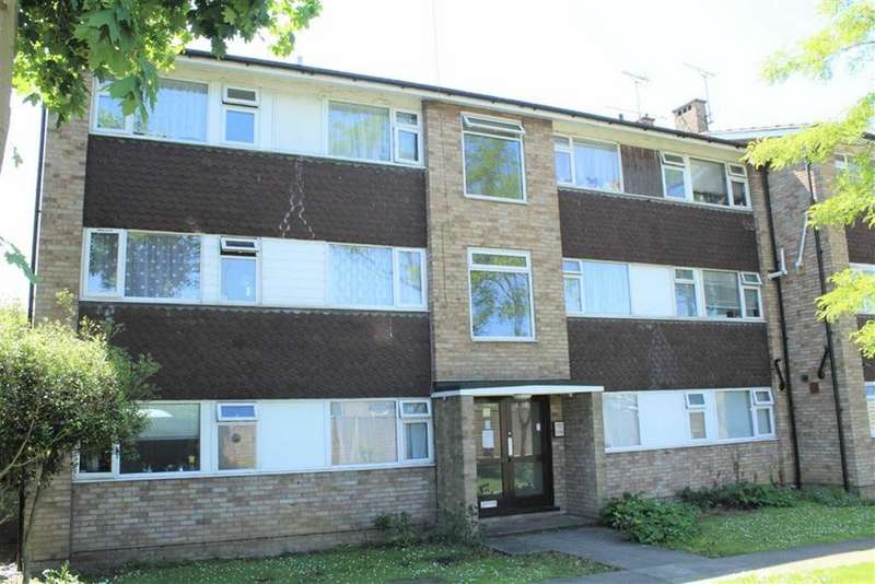 2 Bedrooms Apartment Flat for sale in Laburnum Grove, Slough, Berkshire