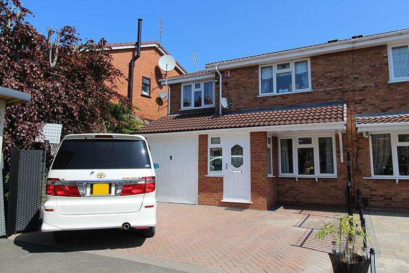 4 Bedrooms Semi-detached Villa House for sale in Belvoir Close , Milking Bank , Dudley DY1
