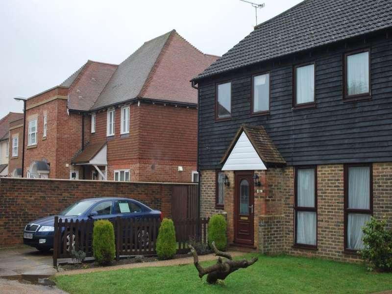 2 Bedrooms Semi Detached House for rent in Lenham