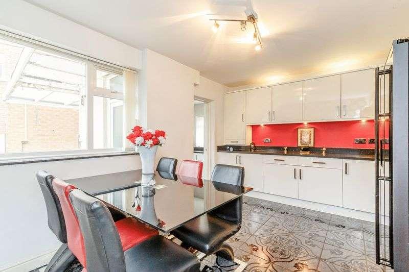 5 Bedrooms Property for sale in Brooklands Road, Nottingham