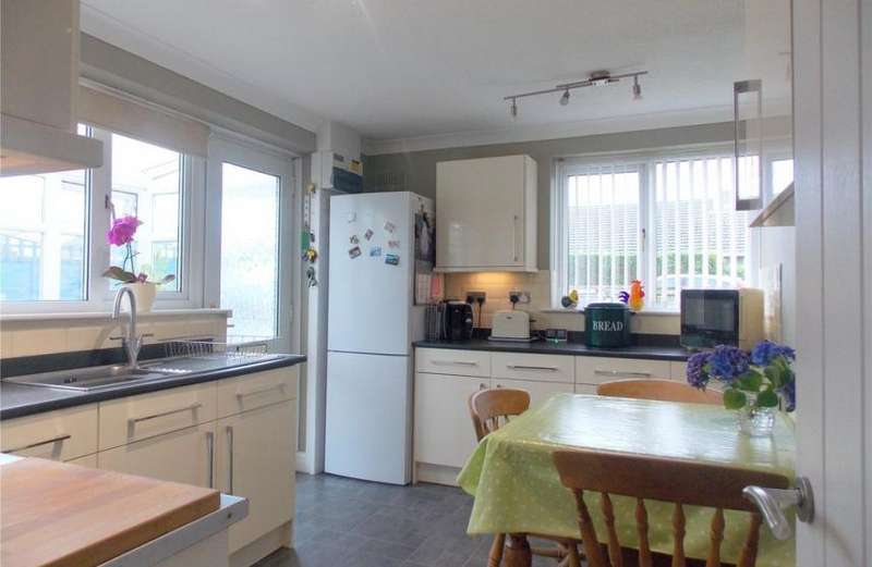 3 Bedrooms Property for sale in Bodinar Road, Penryn