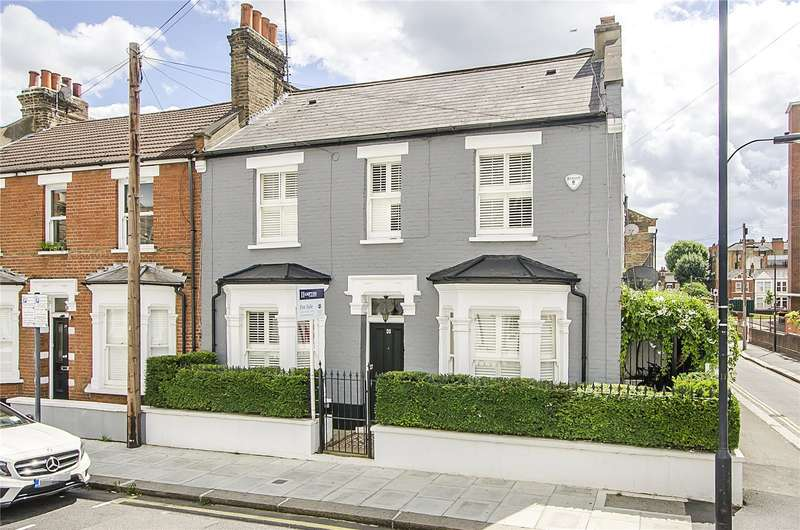 3 Bedrooms Terraced House for sale in Bishops Road, London, SW6