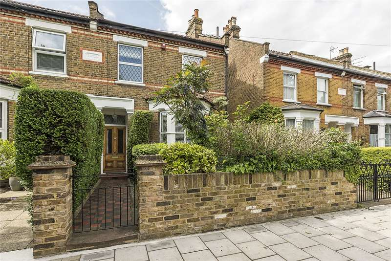 3 Bedrooms Semi Detached House for sale in St. Stephens Road, Hounslow, TW3