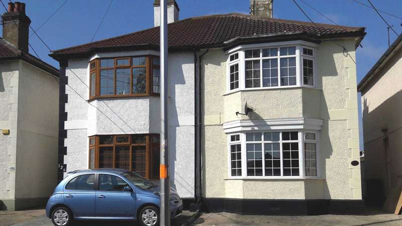 3 Bedrooms Semi Detached House for sale in Cressing Road, Braintree