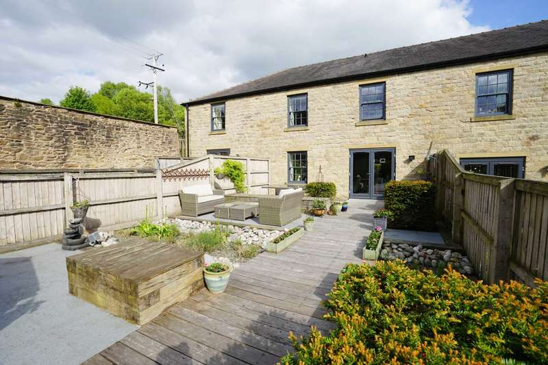 4 Bedrooms Town House for sale in Mill View Lane, Horwich