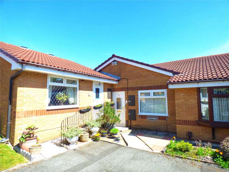 2 Bedrooms Bungalow for sale in Kingsway Close, Coppice, Oldham, Greater Manchester, OL8
