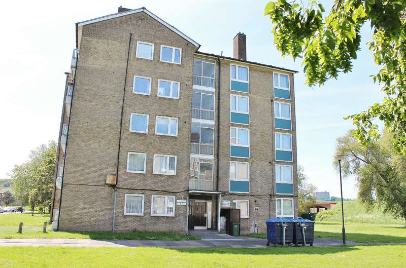2 Bedrooms Flat for sale in Bromholm Road , Abbey Wood, LONDON, SE2 9ND