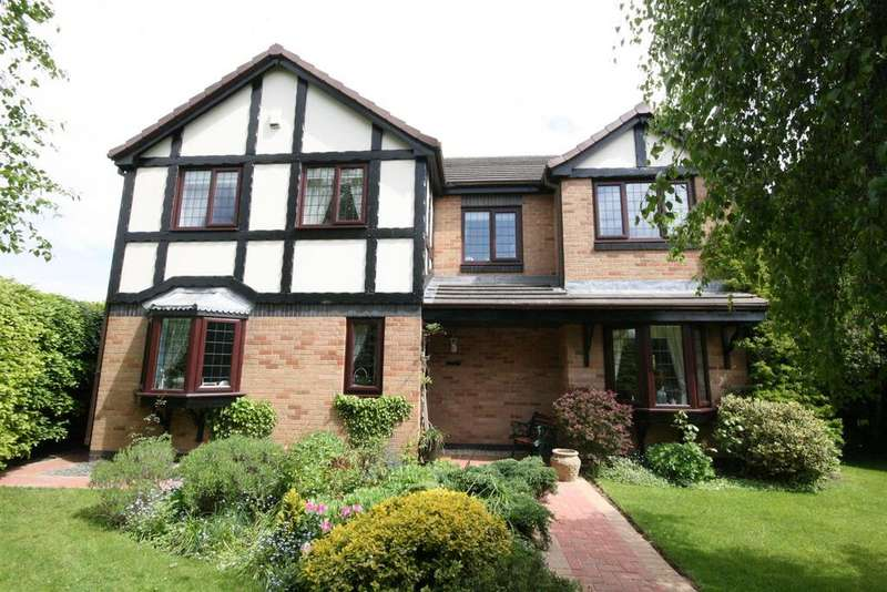 4 Bedrooms Detached House for sale in Cheviot Avenue, Lytham
