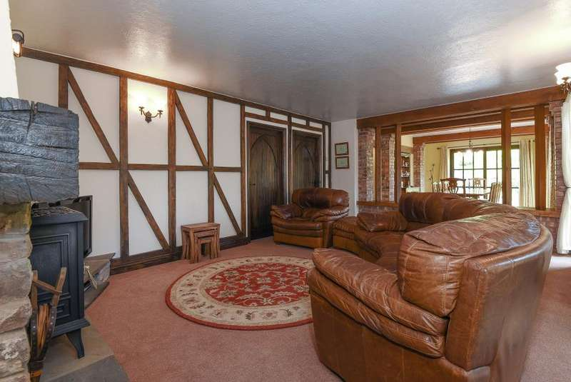 5 Bedrooms Detached House for sale in Trallong, Brecon LD3 8HR, LD3