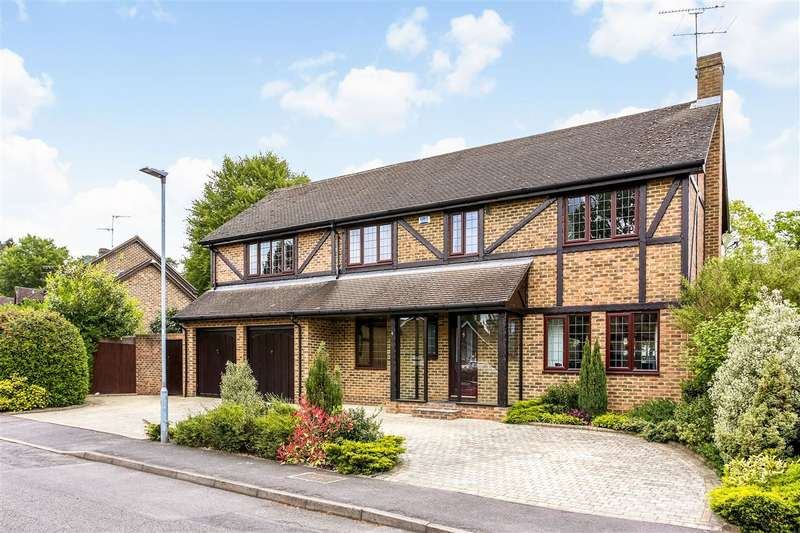 5 Bedrooms Detached House for sale in Alcot Close, Crowthorne
