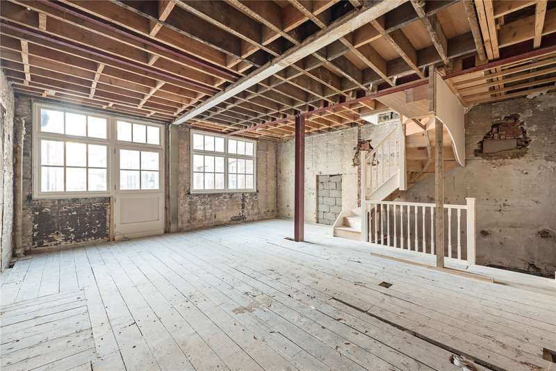 3 Bedrooms House for sale in Bourlet Close, London, W1W