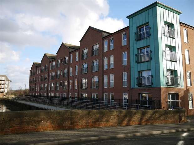 2 Bedrooms Flat for sale in Edwin Court, Kettering Road, Market Harborough, Leicestershire