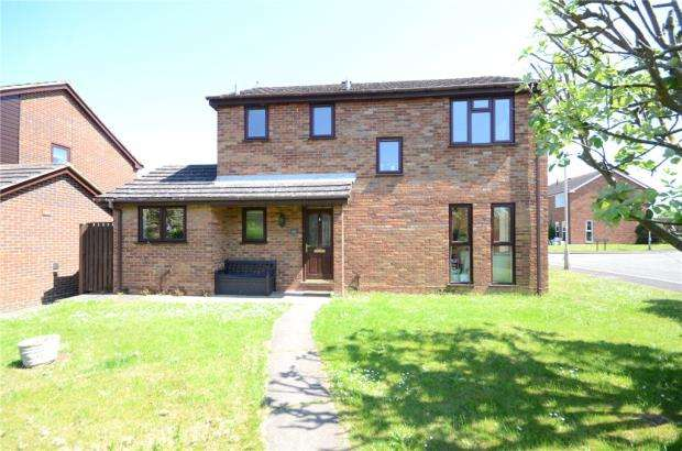4 Bedrooms Detached House for sale in Tithe Barn Drive, Maidenhead, Berkshire