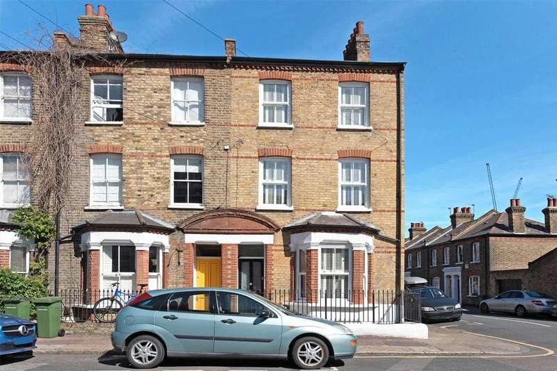 4 Bedrooms End Of Terrace House for sale in Old Woolwich Road, Greenwich, London, SE10