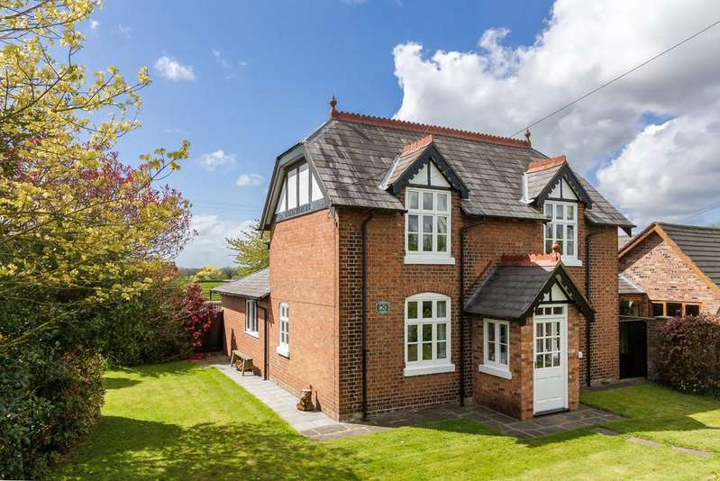 3 Bedrooms Detached House for sale in Winsford, Cheshire
