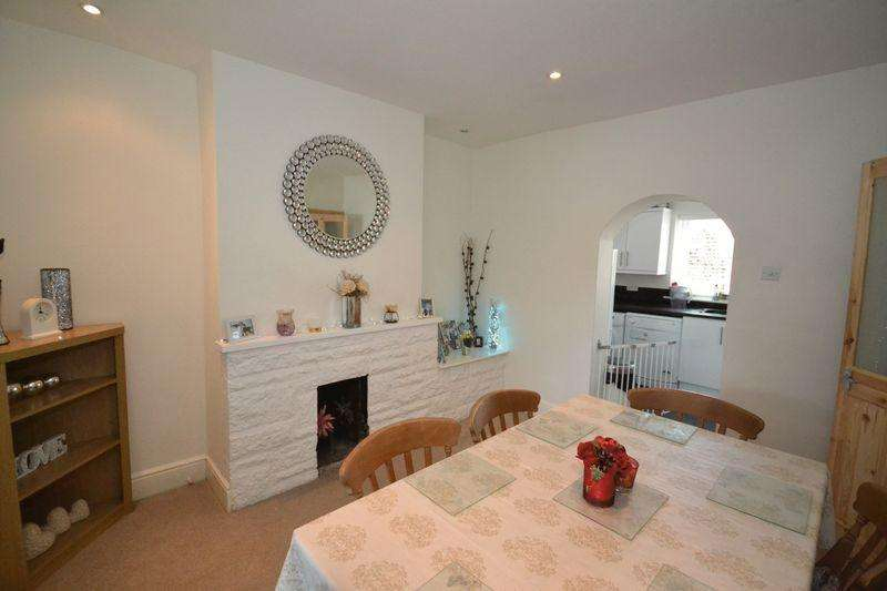 2 Bedrooms Terraced House for sale in Downend Road, Kingswood, Bristol