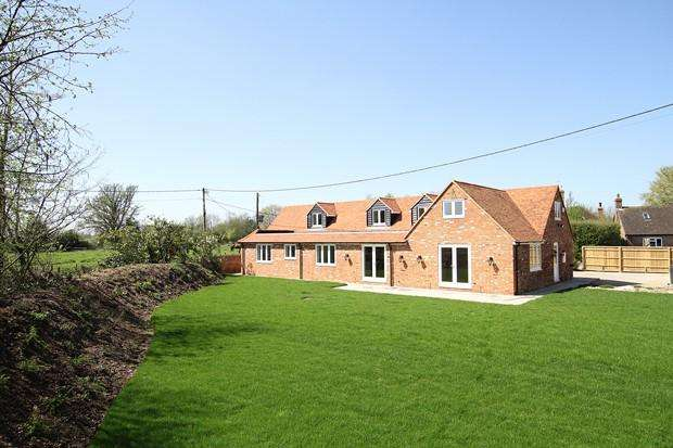 4 Bedrooms Barn Conversion Character Property for sale in Bockmer End Farm , BOCKMER END, NR MARLOW, SL7