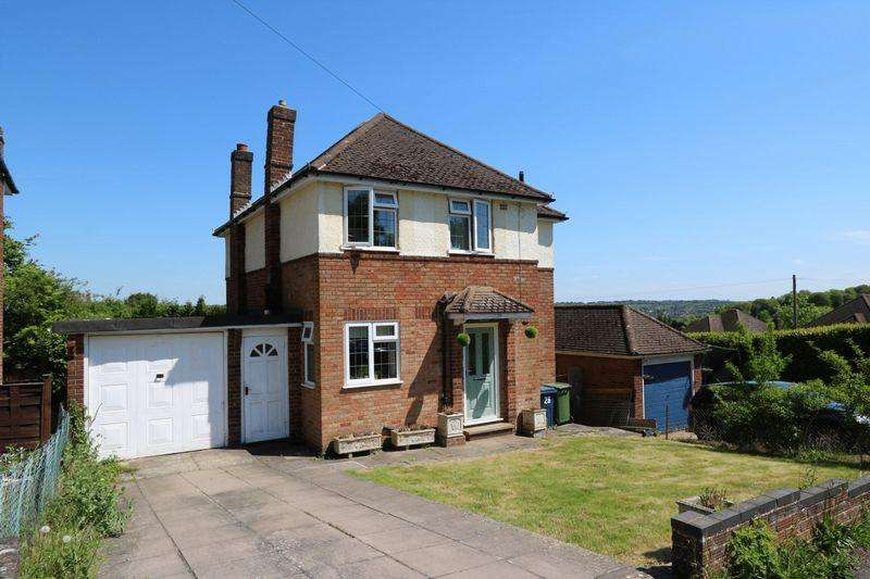 3 Bedrooms Detached House for sale in Wordsworth Road, High Wycombe